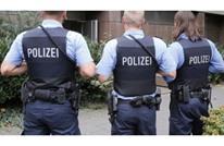 ألمانية استدعت الشرطة لزوجها وهو نائم.. تعرف على السبب