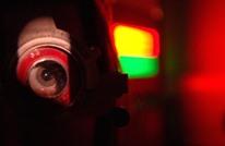 دراسة: الضوء الأزرق في الأجهزة الذكية يسبب العمى