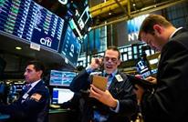 الذهب يفقد 2% مع صعود الدولار.. وأسعار النفط تتراجع