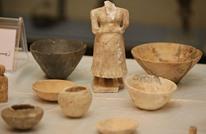 فنان يعيد ترميم آثار العراق المدمرة بمواد مهملة