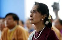 صندي تايمز: هكذا ضحت زعيمة بورما بالروهينغا للدفاع عن الجيش