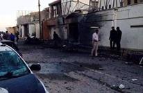 محتجون ليبيون يحرقون مبنى سفارة الإمارات بطرابلس (صور)