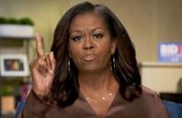 """ميشيل أوباما تشن هجوما لاذعا على ترامب وتتهمه بـ""""العنصرية"""""""
