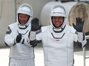 """مركبة """"سبيس إكس"""" المأهولة تعود إلى الأرض"""