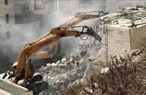 الاحتلال يخطر مقدسيين بأوامر هدم لـ 13 منزلا