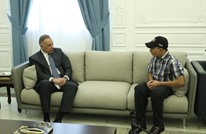 الكاظمي يستقبل فتى أهانه الأمن العراقي (صور)