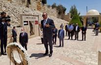 """تشاووش أوغلو يزور صرح """"الشهداء الأتراك"""" في السلط الأردنية"""