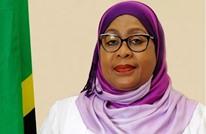 """رئيسة تنزانيا تنتقد لاعبات الكرة بسبب """"صدورهن المسطحة"""""""