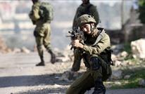 جندي إسرائيلي ينكل بجسد الشهيد الجولاني في القدس (شاهد)