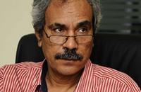 """صحفي مصري يتهم عمرو موسى بـ""""سعار المناصب"""""""