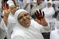 أول وفد من الحجاج التونسيين يغادر إلى مكة (صور)