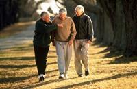 دراسة أمريكية: المشي يقلص الأورام السرطانية
