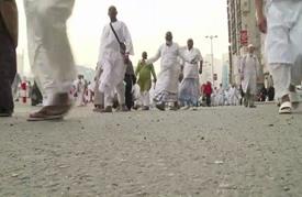 مليونا حاج يتجمعون في مكة المكرمة لبدء مناسك الحج