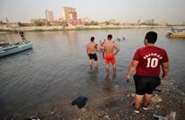 خلال موجة حر رهيبة.. عراقيون يقلون البيض في الشمس (شاهد)
