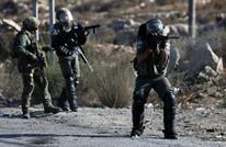 """جيش الاحتلال يرش طفلا من الخليل بغاز """"الفلفل"""" (شاهد)"""