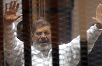 مرسي من داخل محبسه بسجن طرة: مازلت رئيسا لمصر