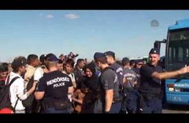 تواصل تدفق اللاجئين إلى المجر في طريقهم إلى أوروبا الغربية