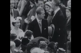 اليزابيث الثانية في أوج شعبيتها ثابتة في موقعها