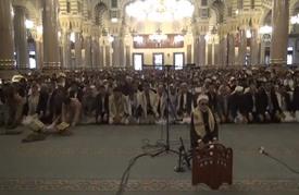 """""""الشرعية"""" تصلي في معسكر بمأرب والحوثيون بصنعاء"""
