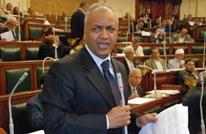 """برلمان السيسي يطالب بتعيين """"حكومة جنرالات"""" لإنقاذ البلاد"""