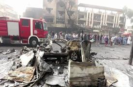 سباق بين الحياة والموت في حي الكرادة في بغداد