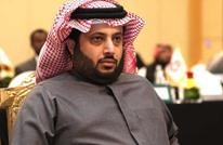 تركي آل الشيخ يتحدث بصعوبة بأول ظهور بعد العملية (فيديو)