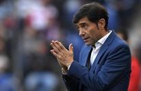فالنسيا يُقيل مدربه قبل مواجهة برشلونة في الليغا