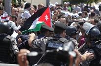 في تصعيد غير مسبوق.. اعتقال معلمين أردنيين بسبب الإضراب