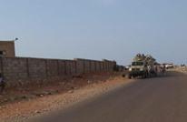 """تأكيدا لانفراد """"عربي21"""": اقتحام معسكر لحلفاء الإمارات بسقطرى"""