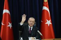 أردوغان: سياسات ماكرون متخبطة وسلوك اليونان صبياني