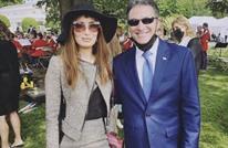 ملكة جمال عراقية تلتقط صورة مع رئيس الموساد الإسرائيلي