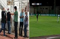 مدرب بالمغرب يثير الجدل.. أصيب بكورونا وحضر مباراة فريقه