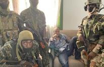 انقلاب على السلطة في غينيا واعتقال الرئيس كوندي (فيديو)
