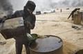 """مفاجأة.. """"داعش"""" عزز بيع النفط للأسد.. ماذا حين تأخر السداد؟"""