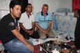 السوريون في تركيا.. سحور بطعم مرارة اللجوء - السوريون في تركيا.. سحور بطعم مرارة اللجوء (14)