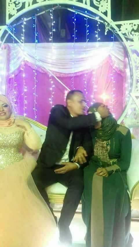 مصر: سيدة تحضر حفل زفاف زوجها بأخرى و تهنّئه